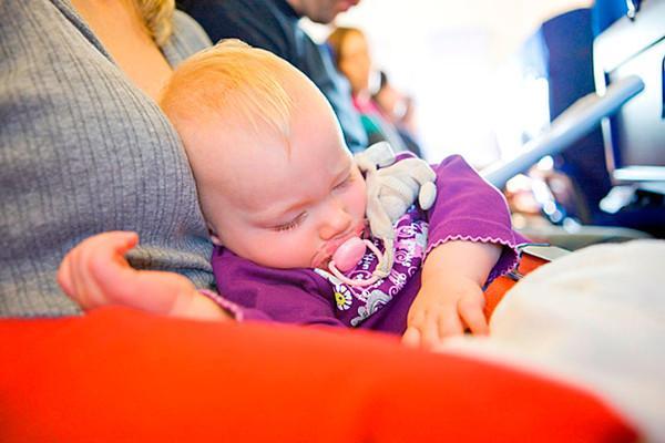 как лететь с ребенком в самолете