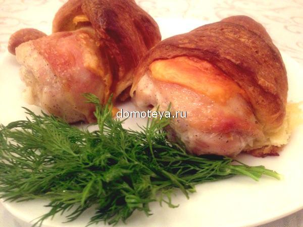 Курица в слоеном тесте с сыром